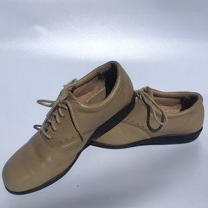 Dr Scholl's Double Air-Pillo Beige Tennis Shoes
